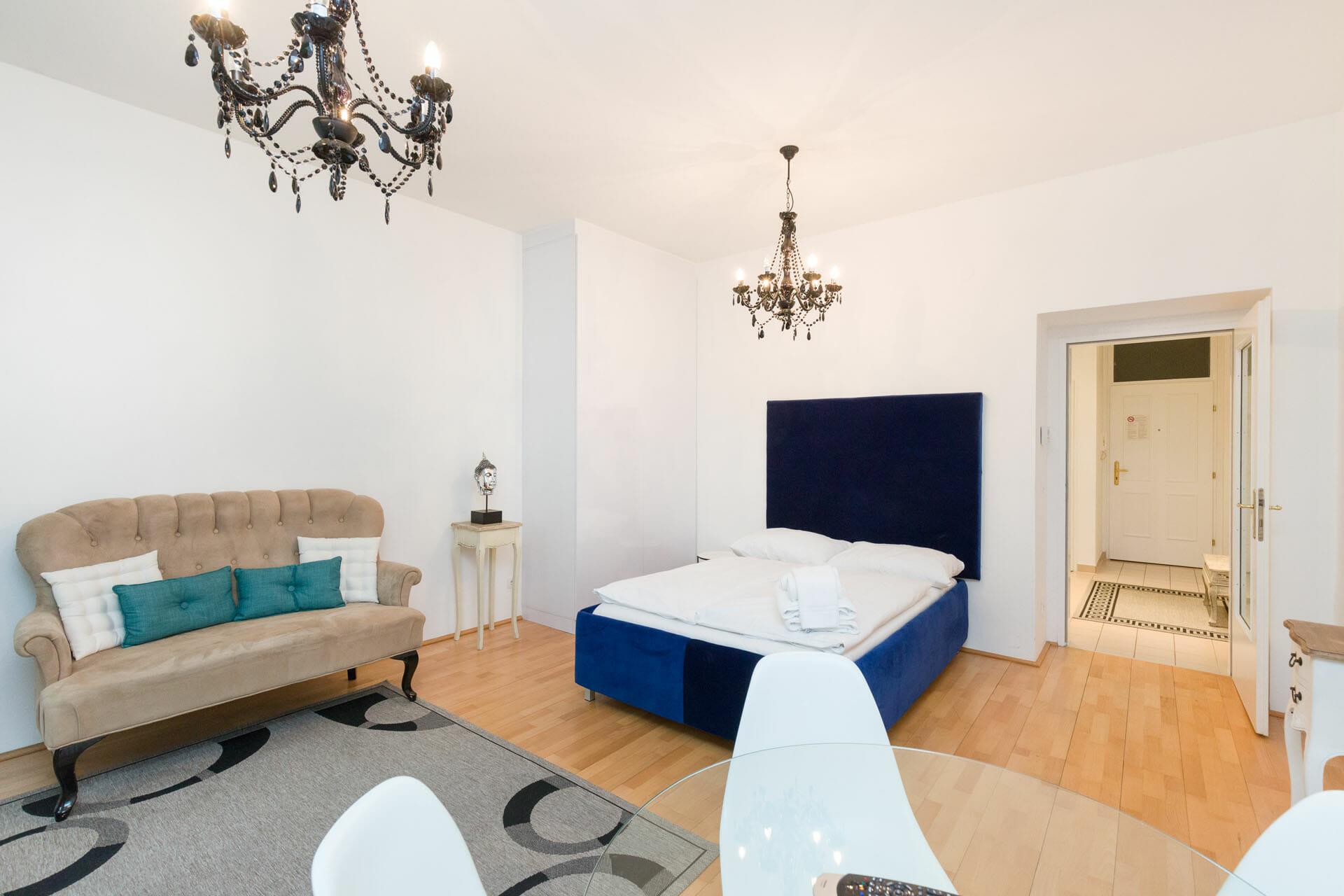 Apartments in Vienna Austria. Alser Strasse 14. Cosy studio apartment.Premium Studio Close to City Center.