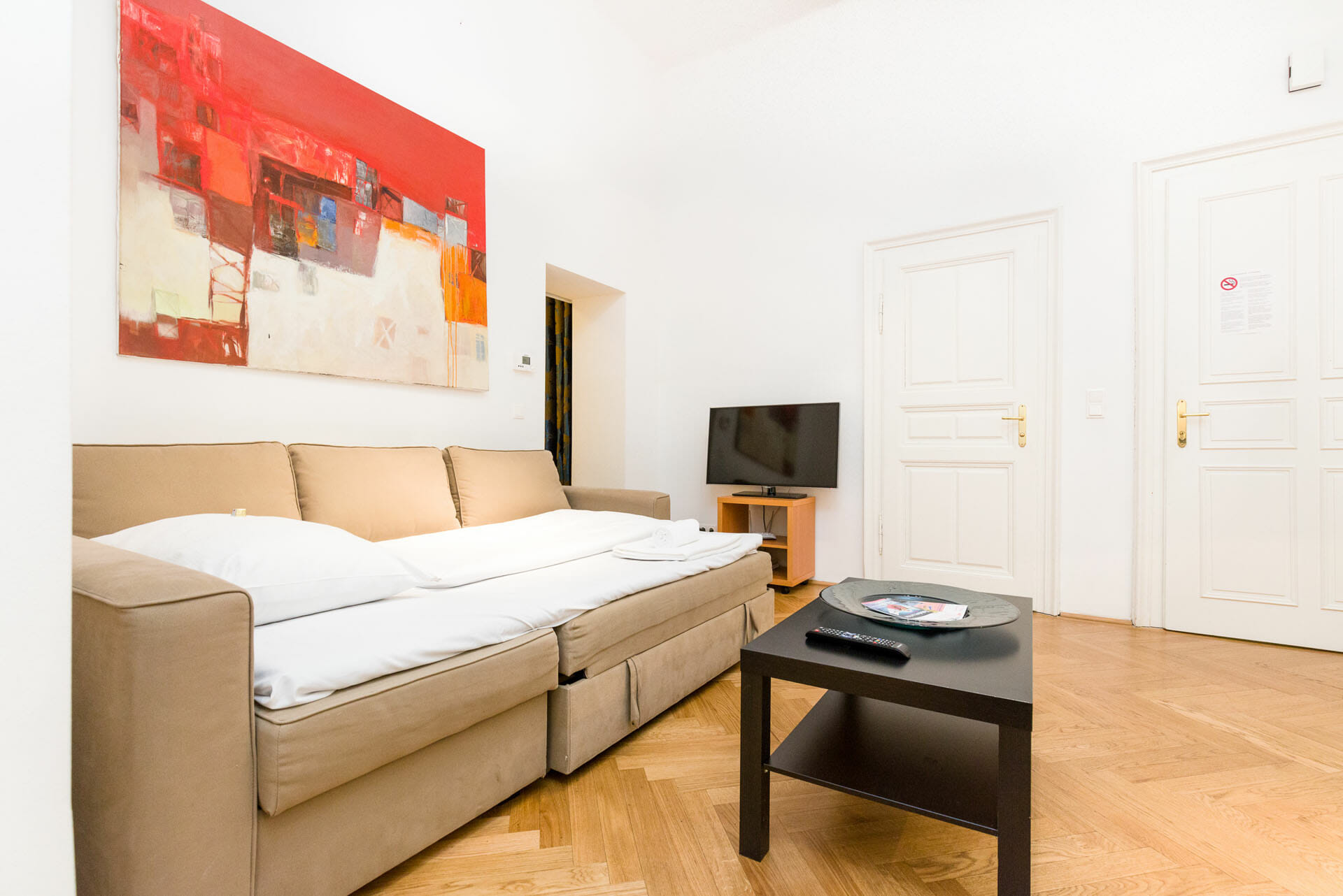 Prestige Apartments in Vienna Austria.Luxury Apartment in Vienna's City Center.Graben 28.This one bedroom apartment is situated in the ideal city center of Vienna the Graben. The apartment is fully furnished, TV, Cable, wireless, king size bed, cafe machine, wash machine and lots more.