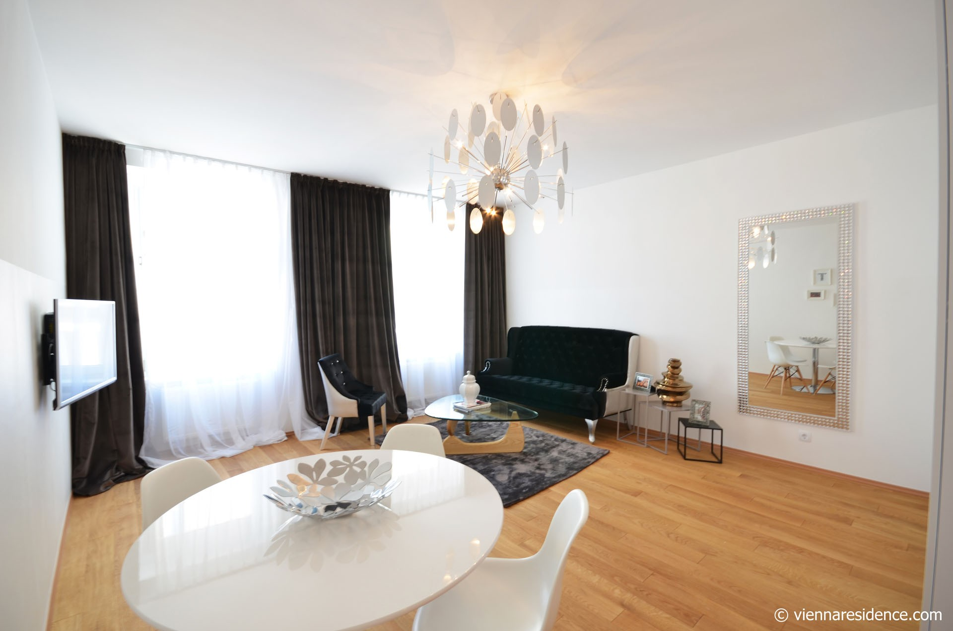 Elegantly furnished Apartment in Vienna Alsergrund Equipment: electric stove, oven, refrigerator, freezer, coffee machine, Kitchenware, TV, double bed, washing machine, vacuum cleaner, Internet, Digital Cable TV, Fully equipped kitchen, Fully furnished interior, Non smoking, Cleaning utensils supplied adequately